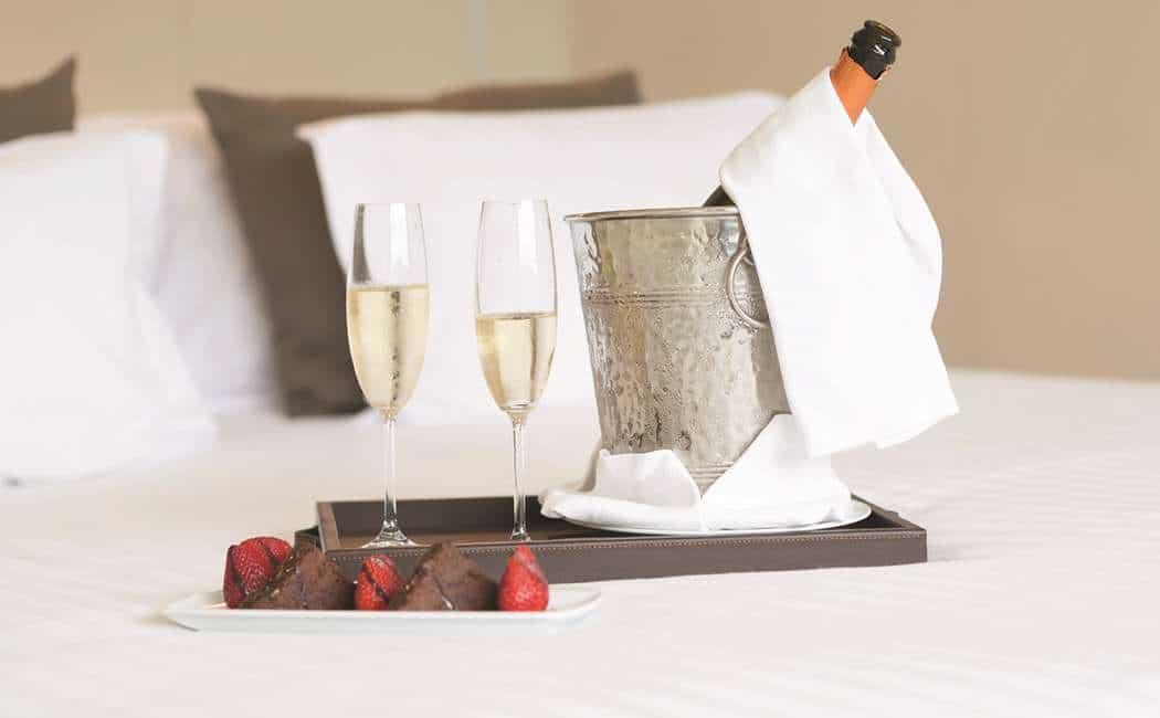 ROMANTISKE DAGE PÅ HOTEL