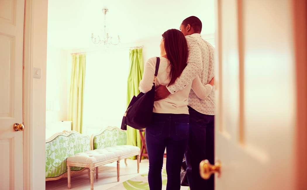 HOTELOVERNATNING FOR 2